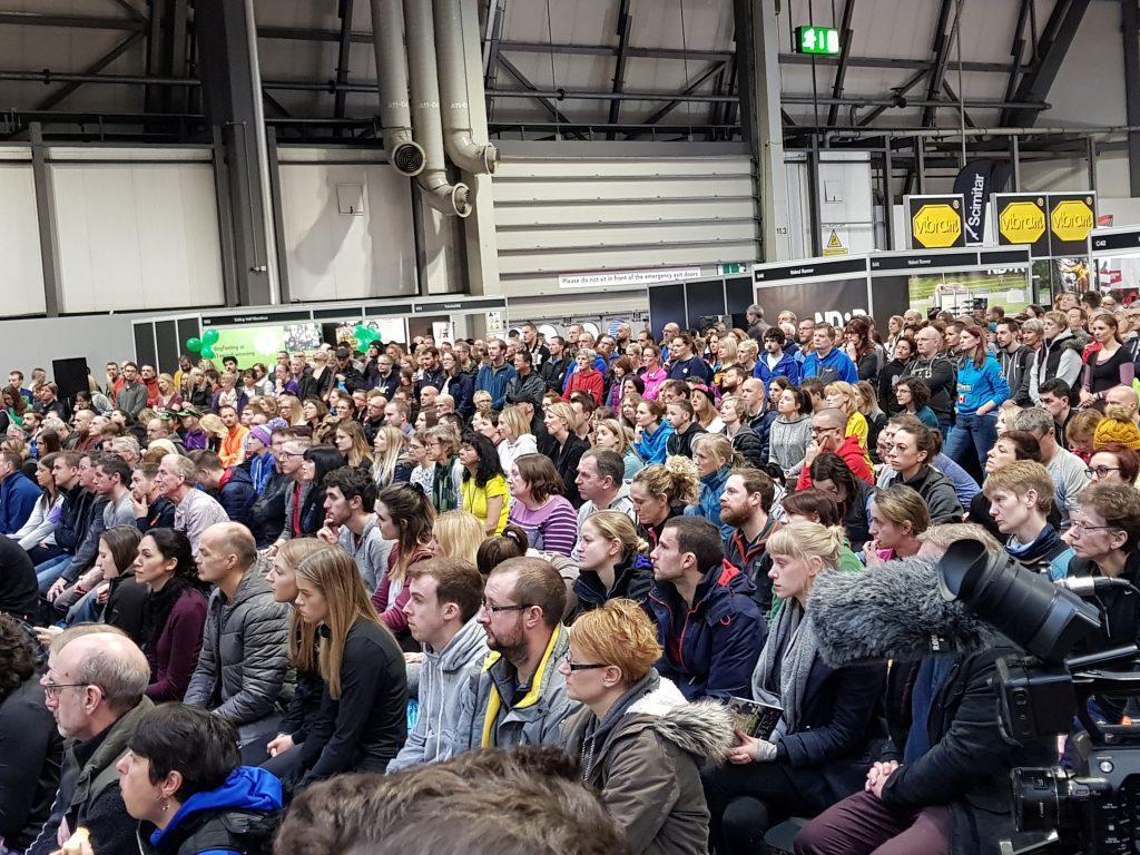 crowds-dame-kelly-holmes