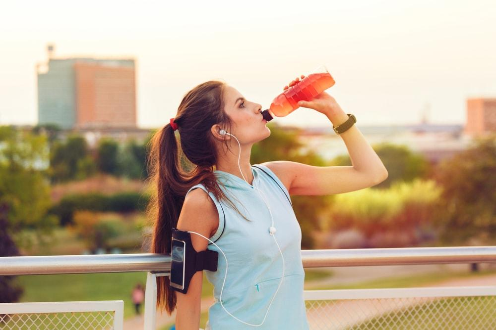 Stay-Hydrated-Working-Out-In-Heatwave