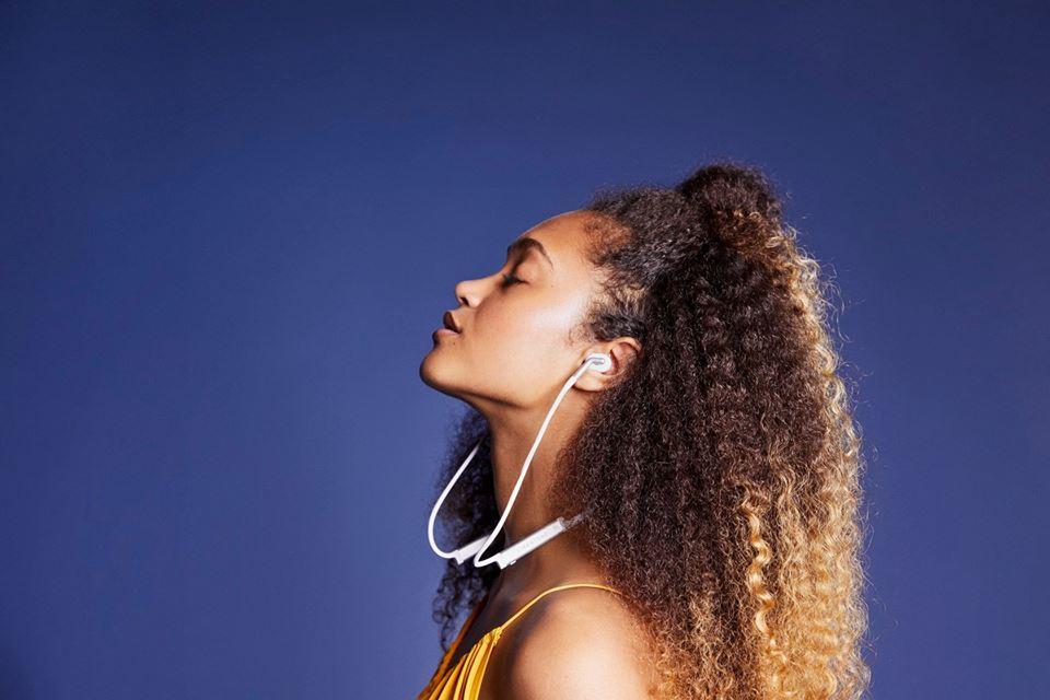 Libratone-TRACK-noise-cancelling-headphones