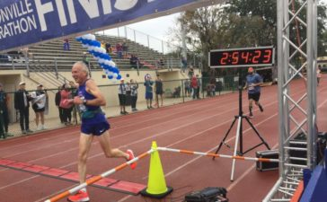 Gene-Dykes-Fastest-Marathon-World-Runner-His-Age-Group